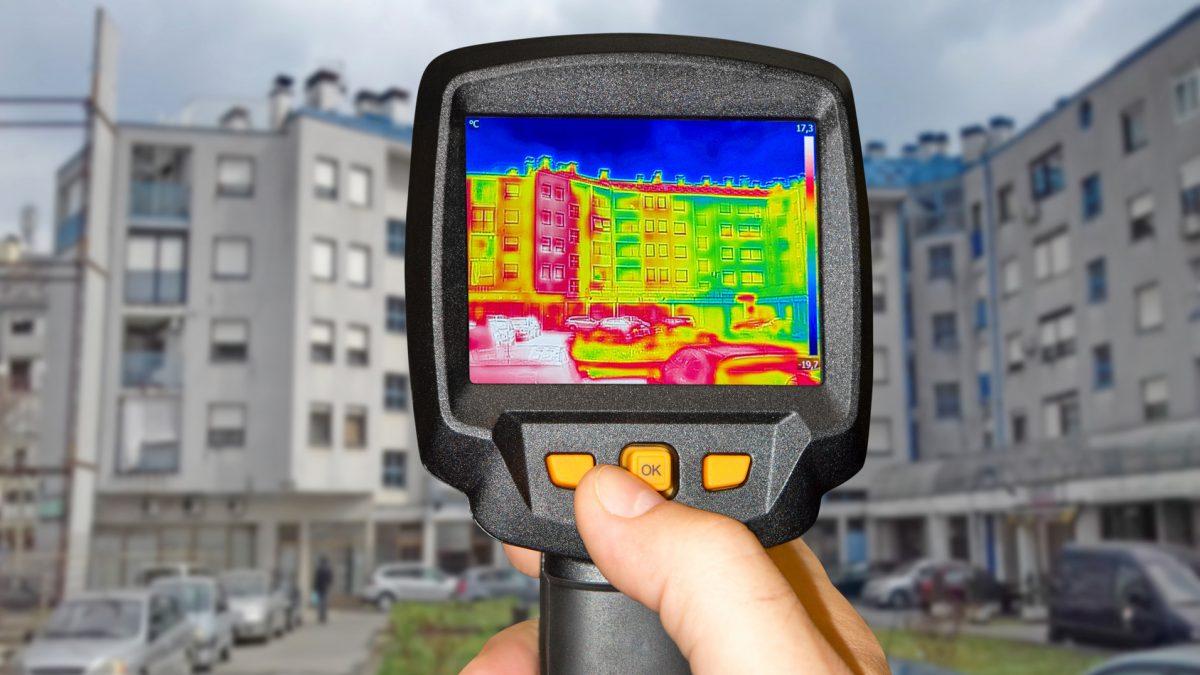 câmera térmica que analisa fachadas prediais